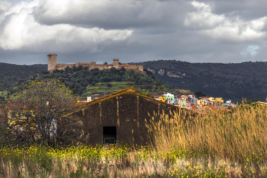 Bosa con il Castello Malaspina PhotoCredit aurelio candido