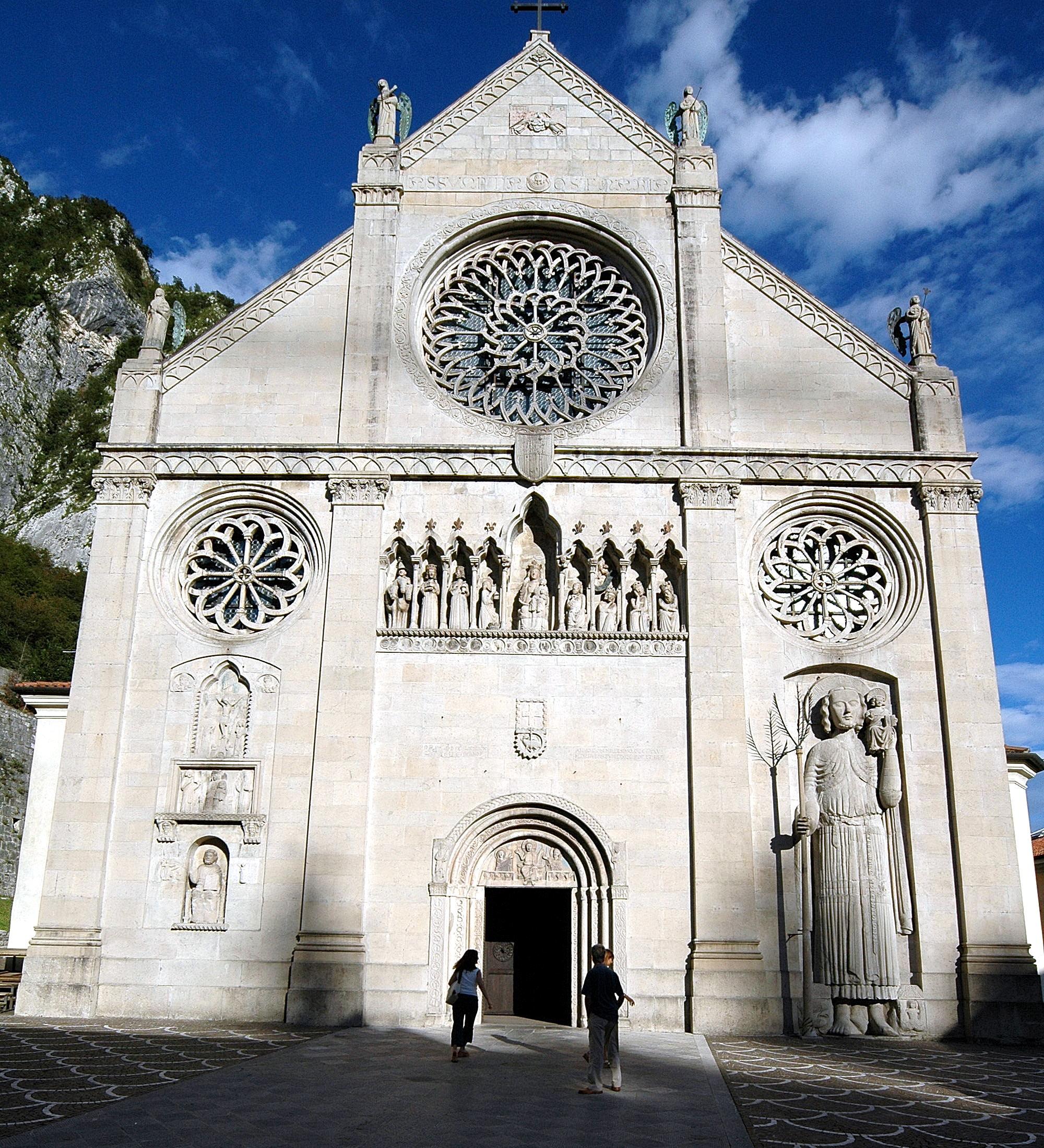 Gemona_Duomo_di_Santa_Maria_Assunta_14082004_01 wikipedia