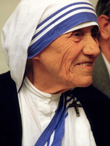 Madre Teresa di Calcutta PhotoCredit 1986 Túrelio (via Wikimedia-Commons)