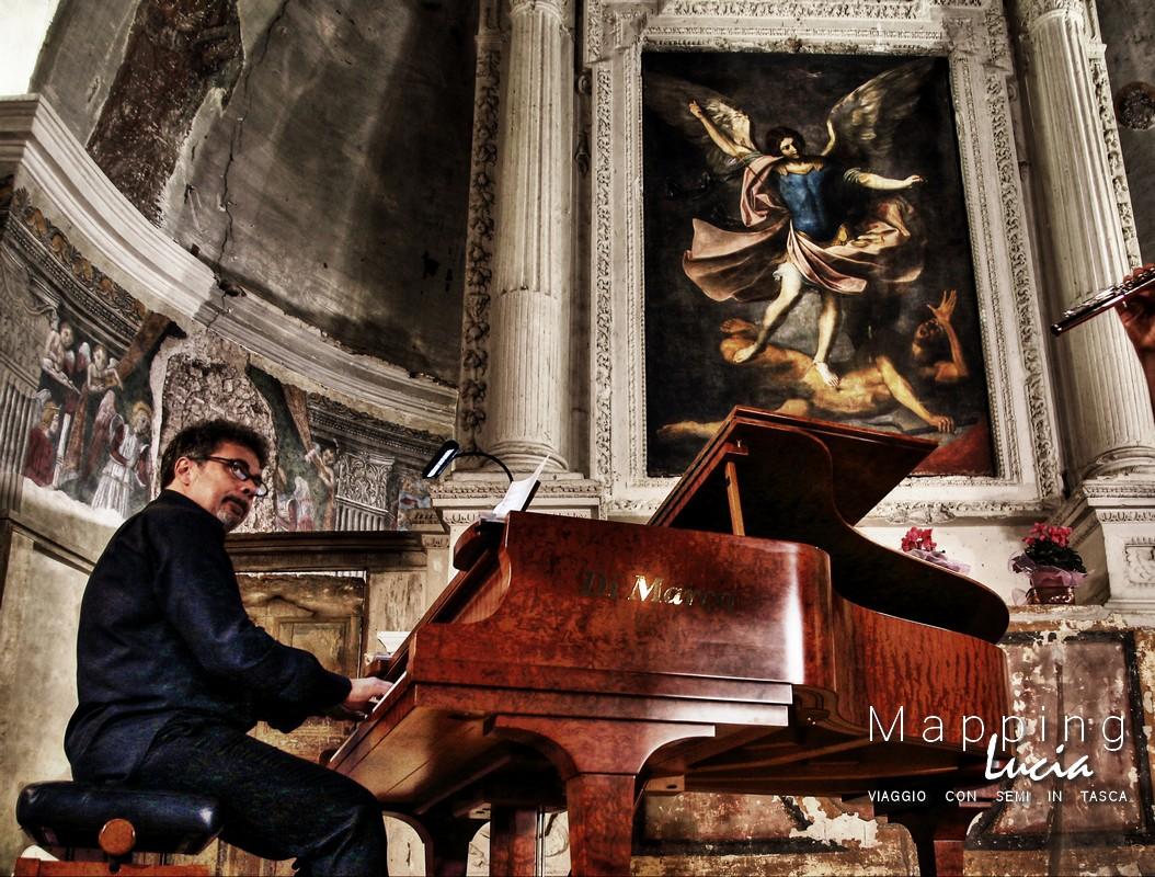 Monaldo Braconi nella chiesa di san michele arcangelopht emanuela gizzi mapping lucia