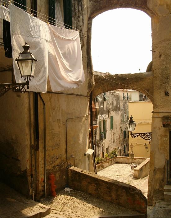 La pigna a Sanremo Autore Idéfix Source www.wikimediacommons.it
